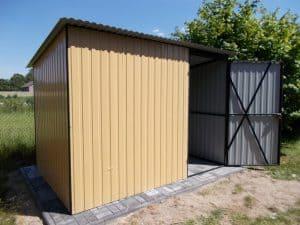 mały garaż blaszany