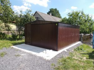 garaz blaszany